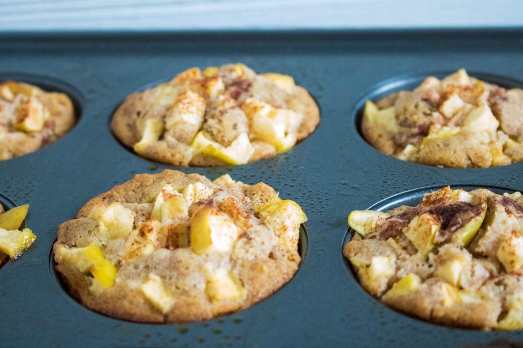 Baked Apple Cinnamon Oatmeal Muffins