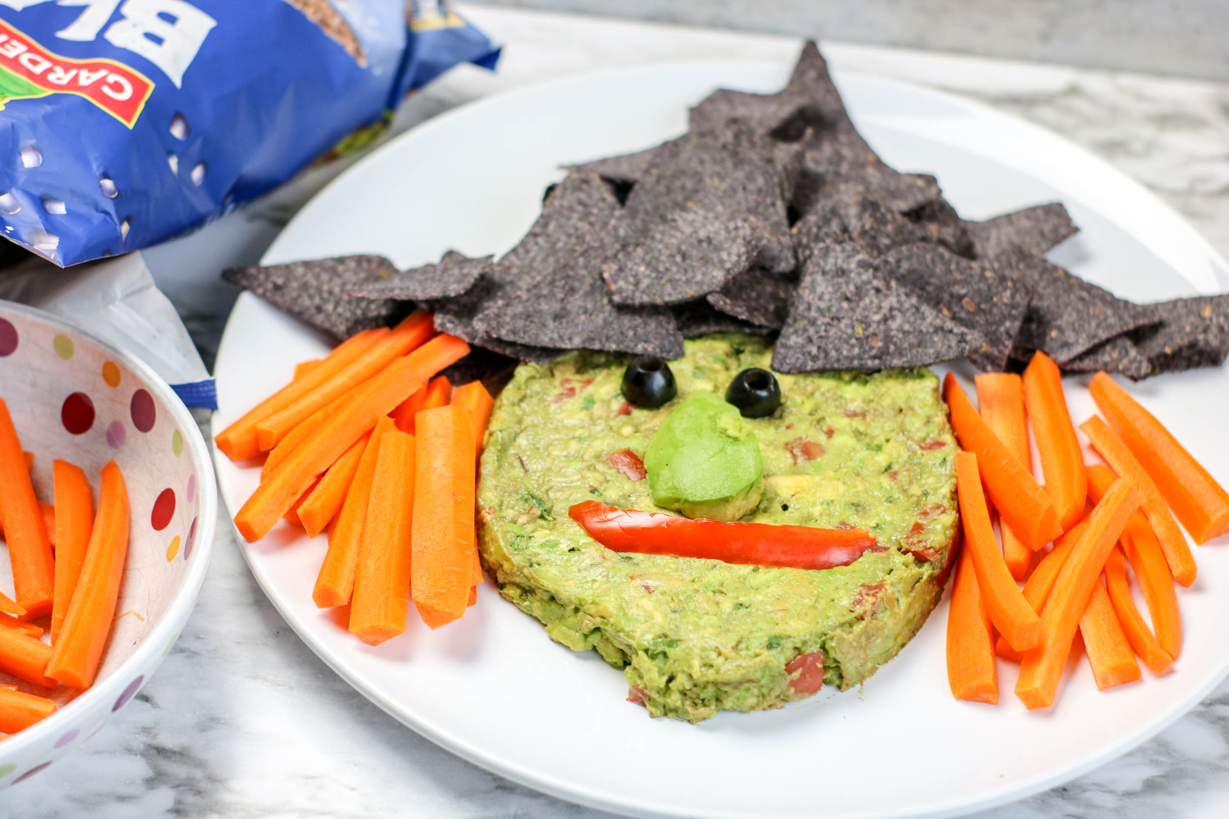 How to make a witch face appetizer for halloween from Guacamole